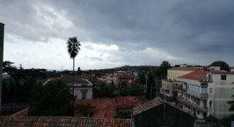 Quadrilocale panoramico e garage ad Aci Sant'Antonio