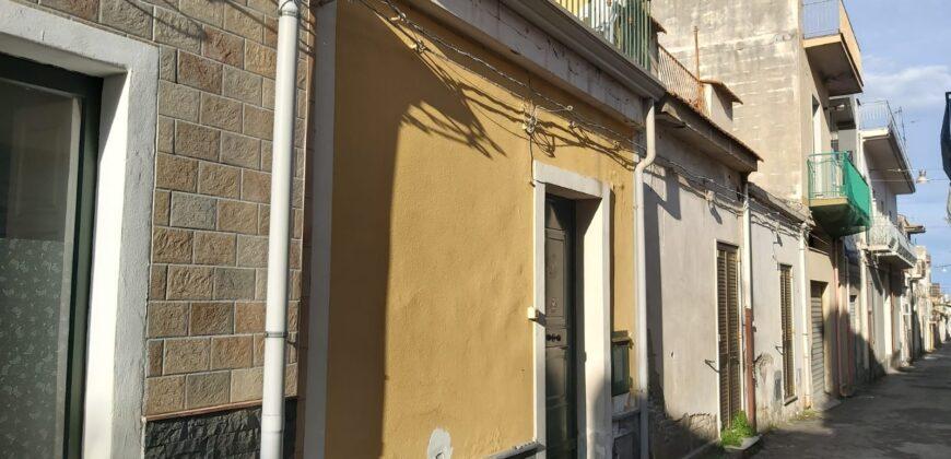 Riposto zona Porto Turistico casetta indipendente