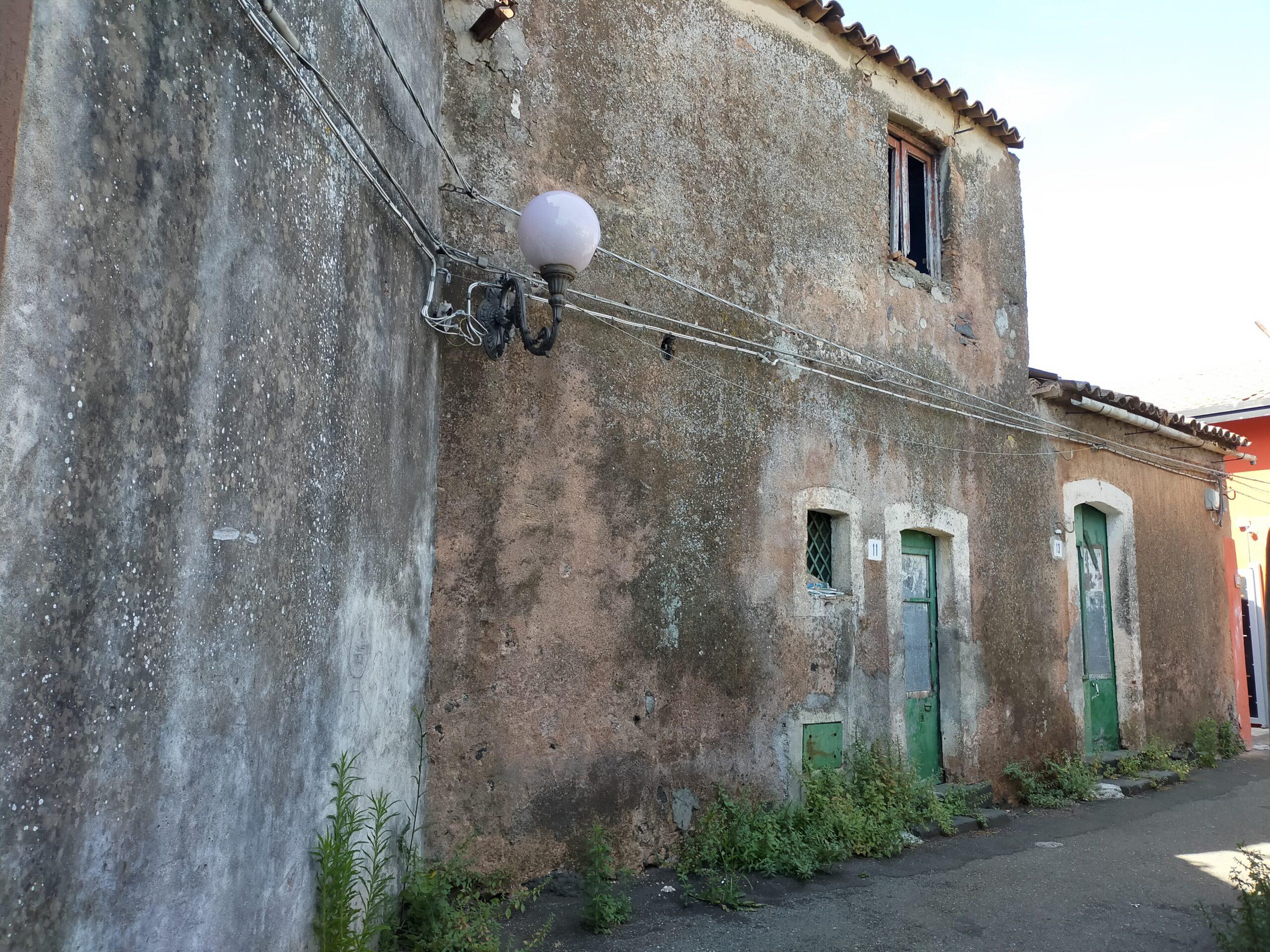 Gravina di Catania Casa indipendente con giardinetto